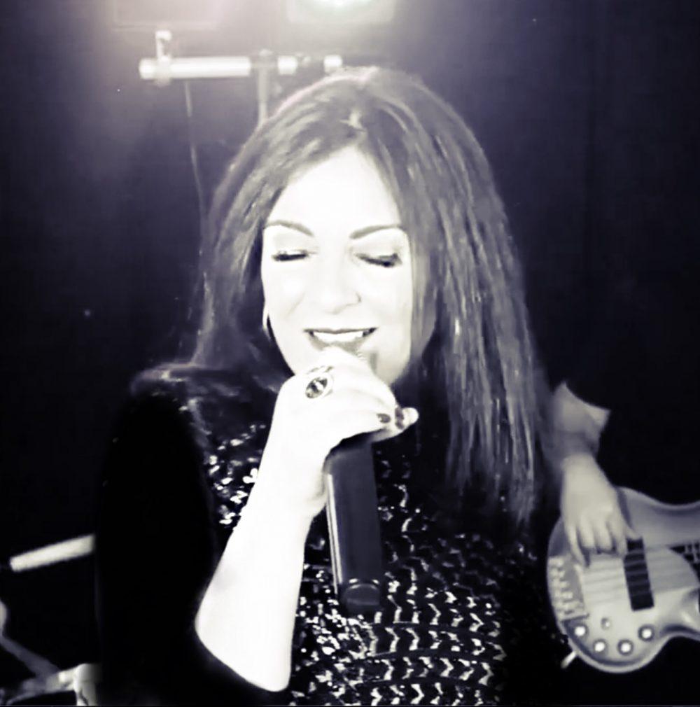 Hong Kong Singer KAREN LINKER